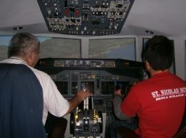 UČENICI SKOLE ST.NICOLAS NA OBUCI UPRAVLJANJA BOINGOM 737-800